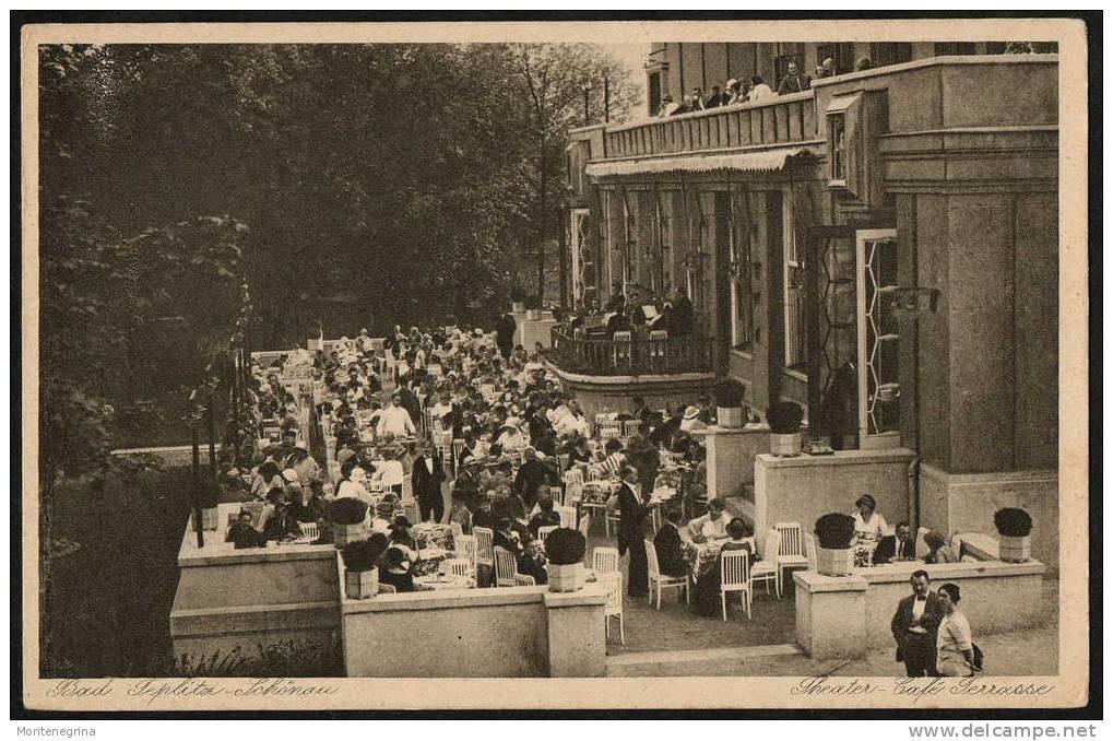 La terrasse du Theater-Café
