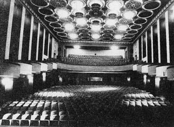 05- La grande salle vers 1930