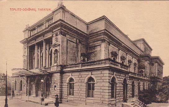 L'ancien théâtre de Teplitz, inauguré en 1874, détruit par un incendie en 1919