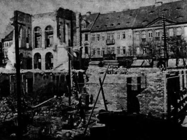 L'ancien théâtre de Teplitz après son incendie (1920)